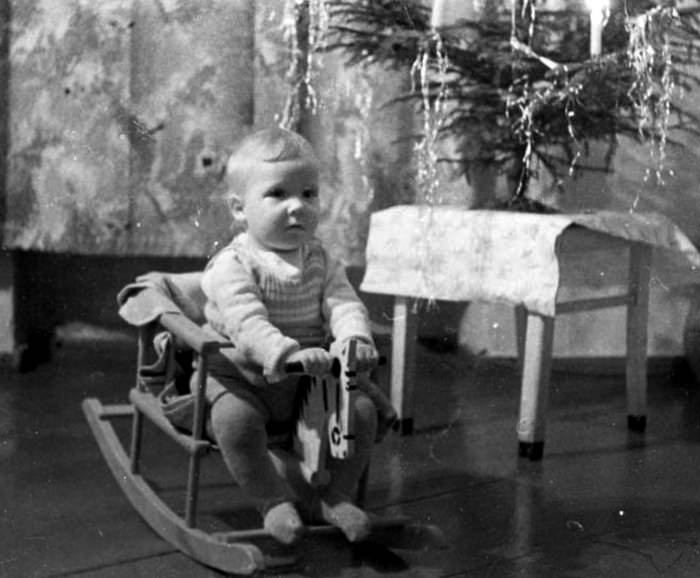 1940's Child's First Christmas