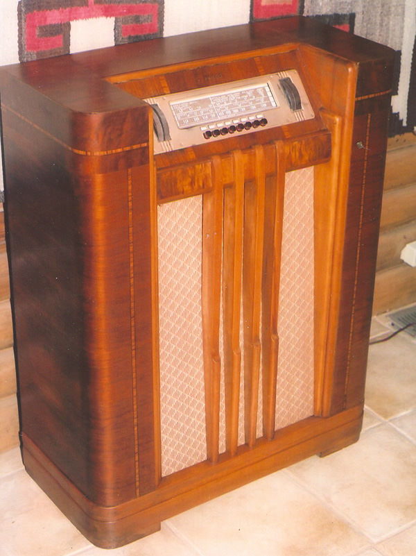 This same radio after it its cabinet and electronics had been restored back to their original condition.