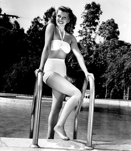 Rita Hayworth Bikini 1946