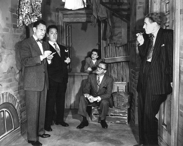 Allens Alley Cast: Fred Allen, Kenny Delmar, Minerva Pious, Peter Donald, Parker Fennelly.