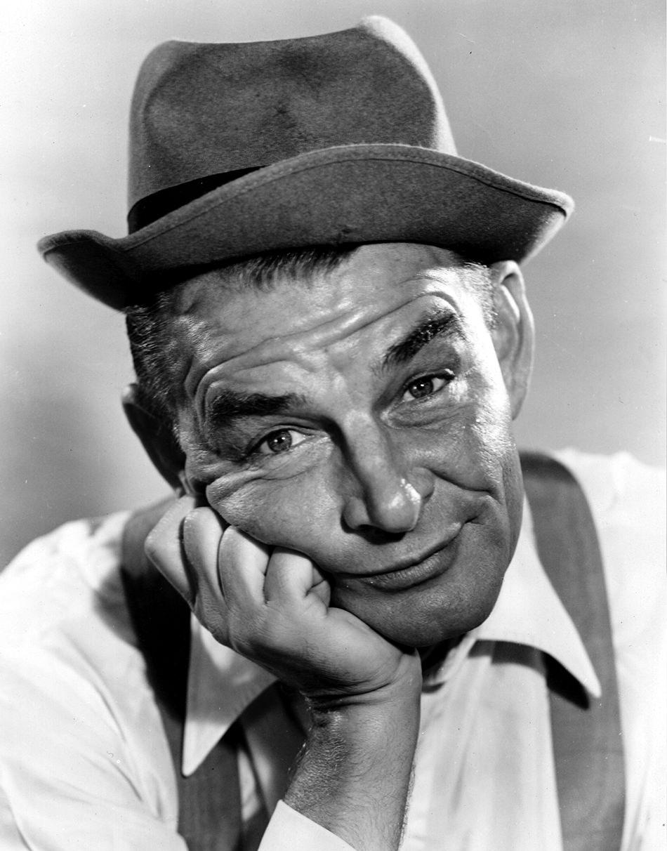 Ed Gardner as Archie