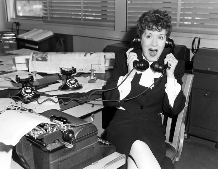 Gracie Allen Answers Phones