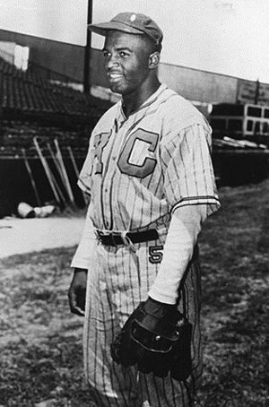 Jackie Robinson playing for KC Monarchs