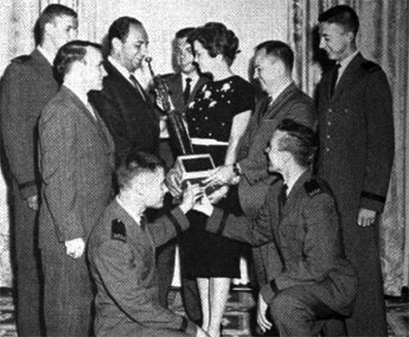 Miss DelVina Wheeldon received the Wing Aerosapce Award for her efforts to create better understanding of ASAF mission through the medium of radio and newspapers, 1960