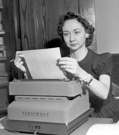 Dorothy Kilgallen Typerwriter