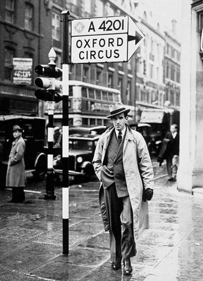Edward Murrow London 1940