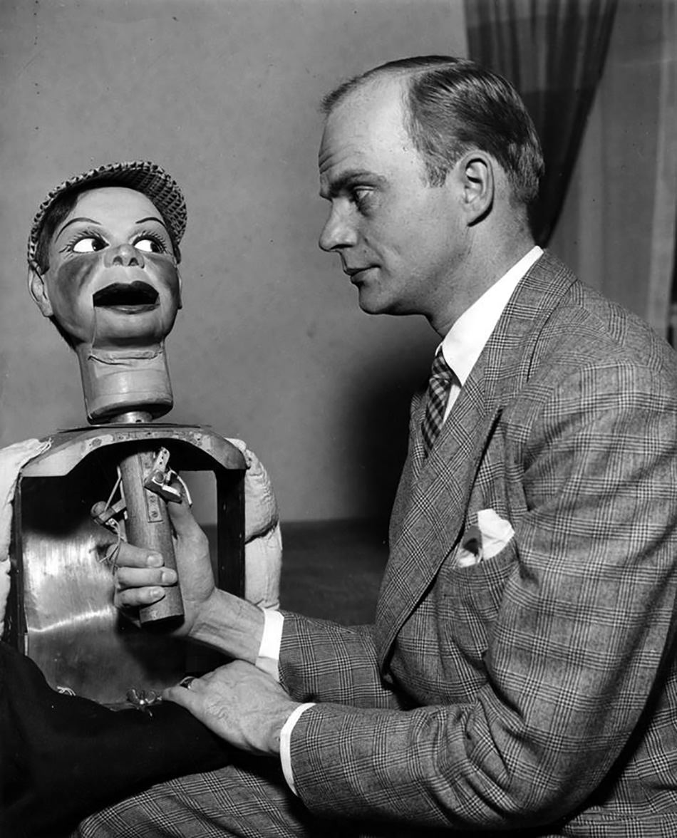 Inside Charlie McCarthy - how his puppet works