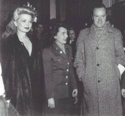 Frances Langford, unknown service woman, and Bob Hope