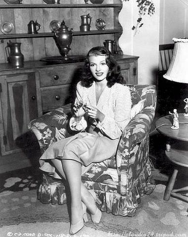 Rita Hayworth Knitting