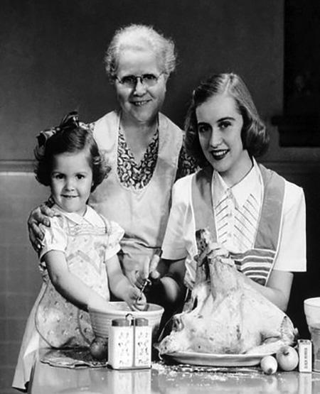 Grandma Daugther and Granddaughter