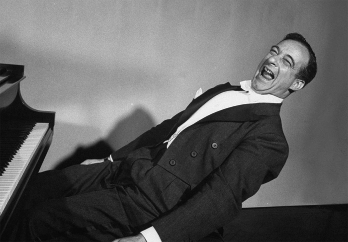 Victor Borge Piano Laughing