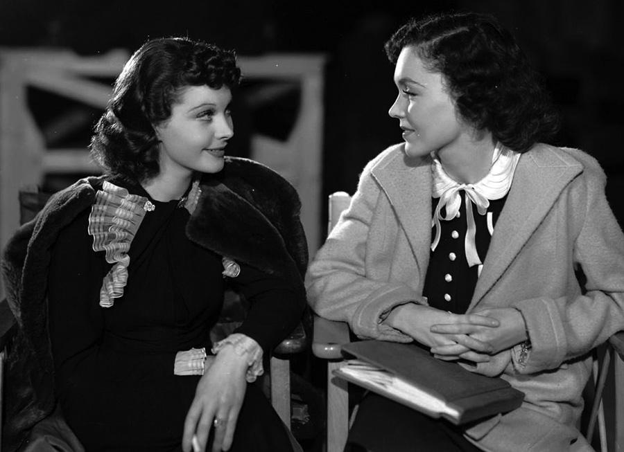 Maureen O'Sullivan and Vivian Leigh