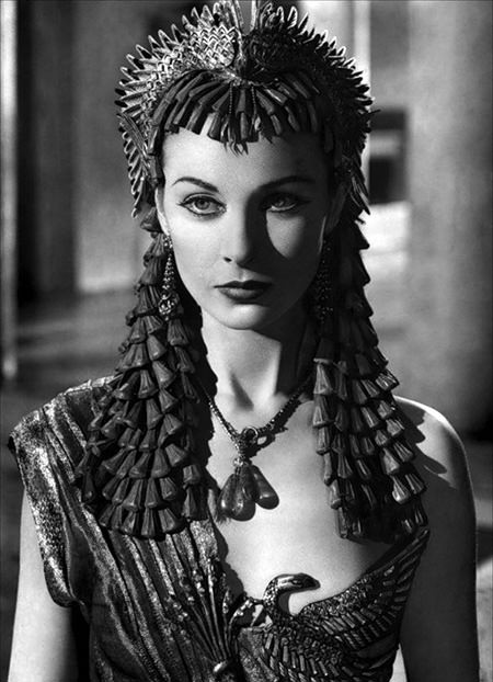 Vivien Leigh Egyptian outfit